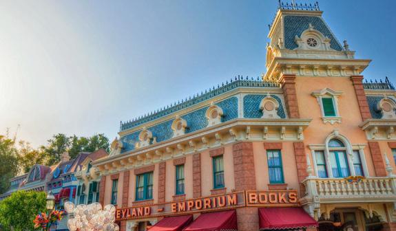 Main Street Usa Shopping At Disneyland California Theme Park